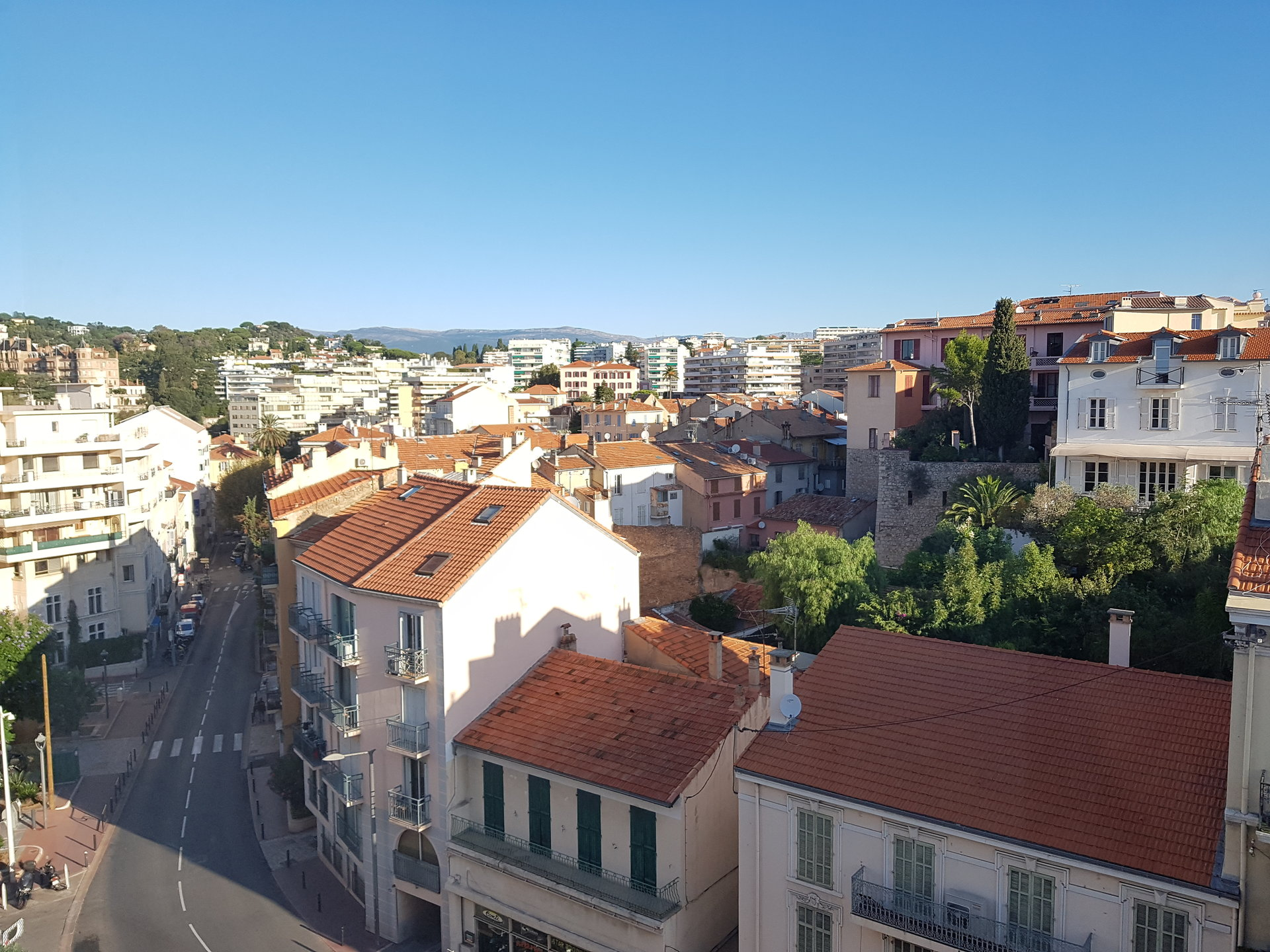 Superb apartment 3 bedroom panoramic sea view in the center of Cannes