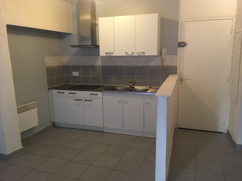 LORGUES APPARTEMENT T2 EN CENTRE VILLE AU CALME