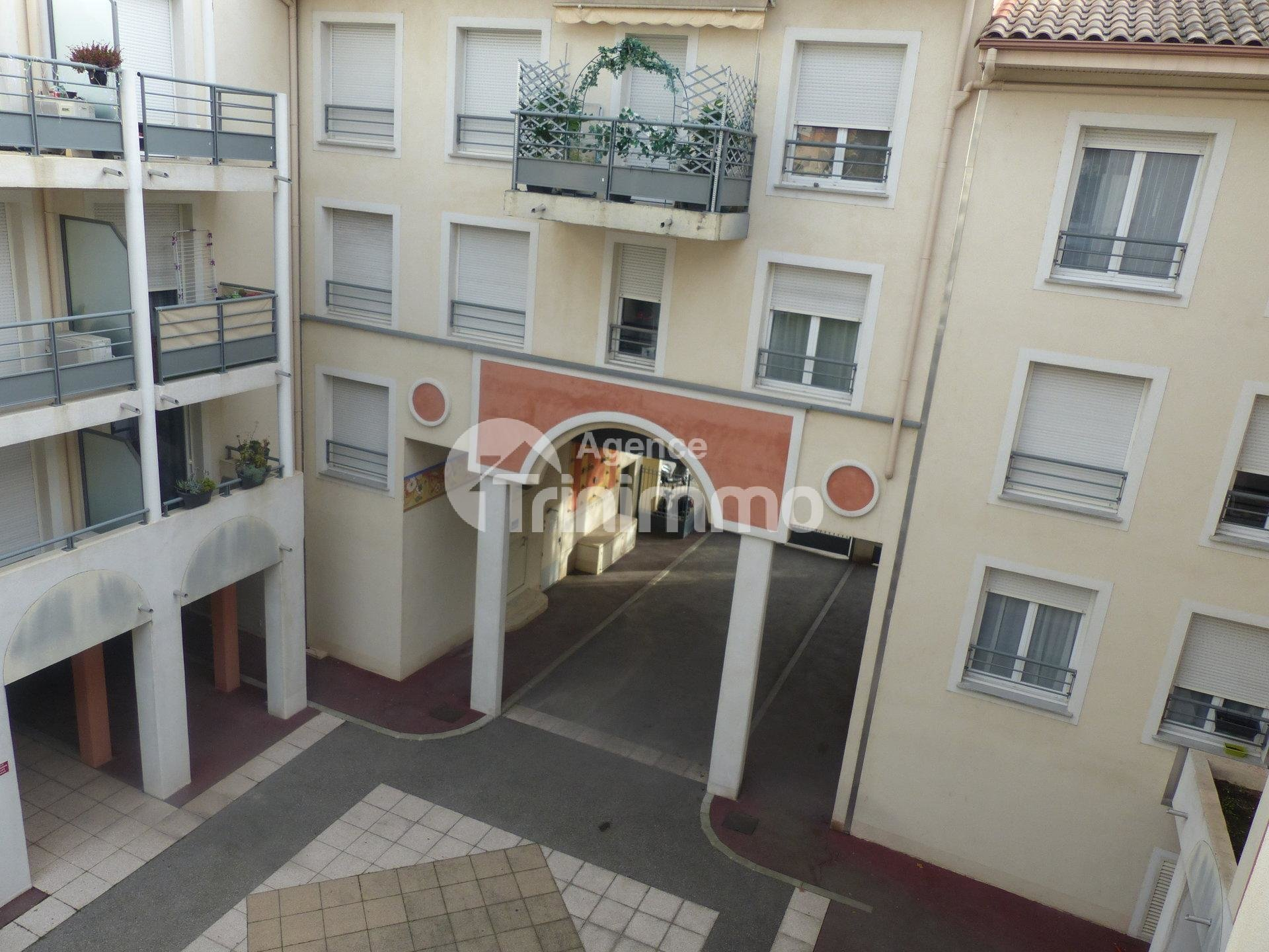 Sale Apartment - Saint-André-de-la-Roche
