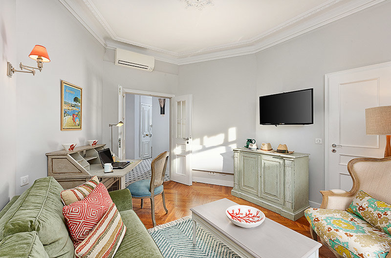 SALE Apartment 4 Rooms 104m² Nice Carré d'Or Negresco Nearby the Sea