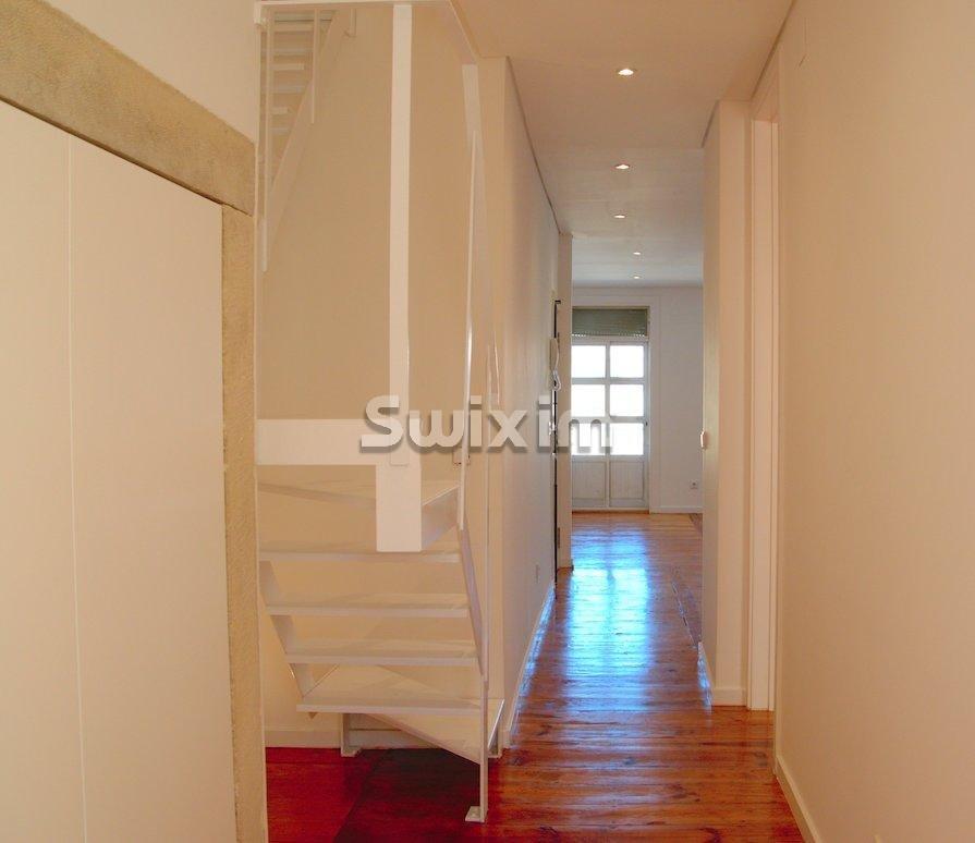 Appartement totalement rénové Arroios T2