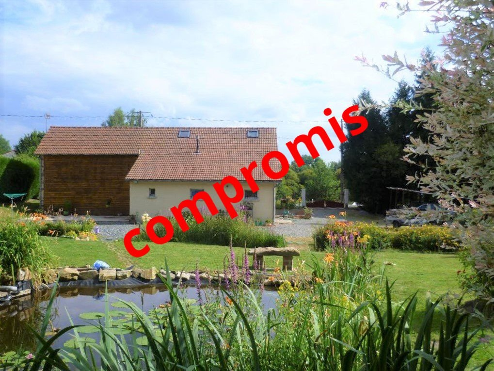 Property in perfect condition with huge land in the Creuse