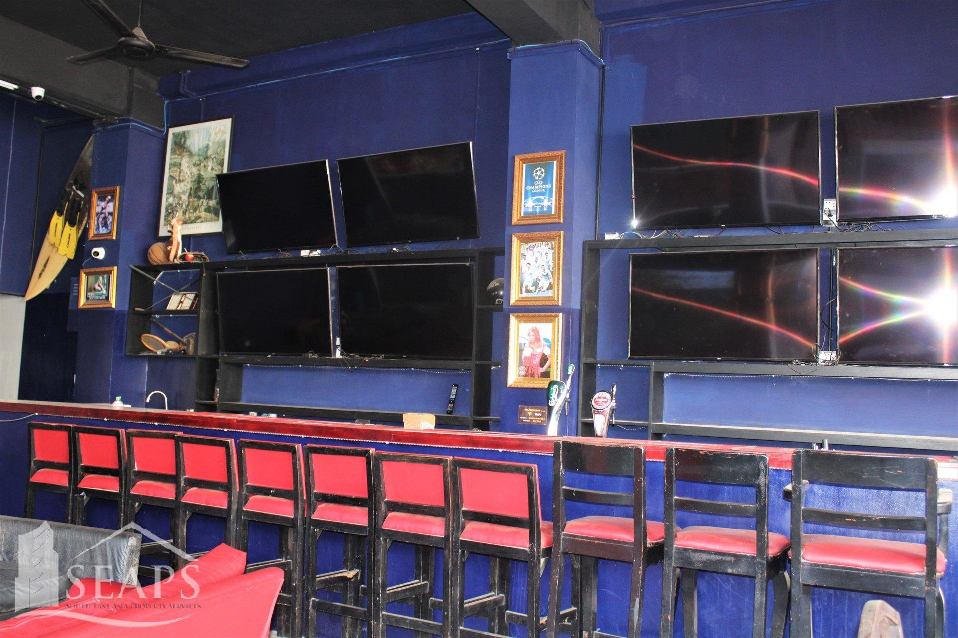 Wat Damnak的大型运动酒吧-餐厅处所出租