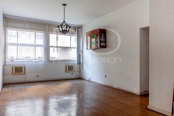 IPANEMA para investimento! Apartamento de 116m2, 3 quartos, para reformar.