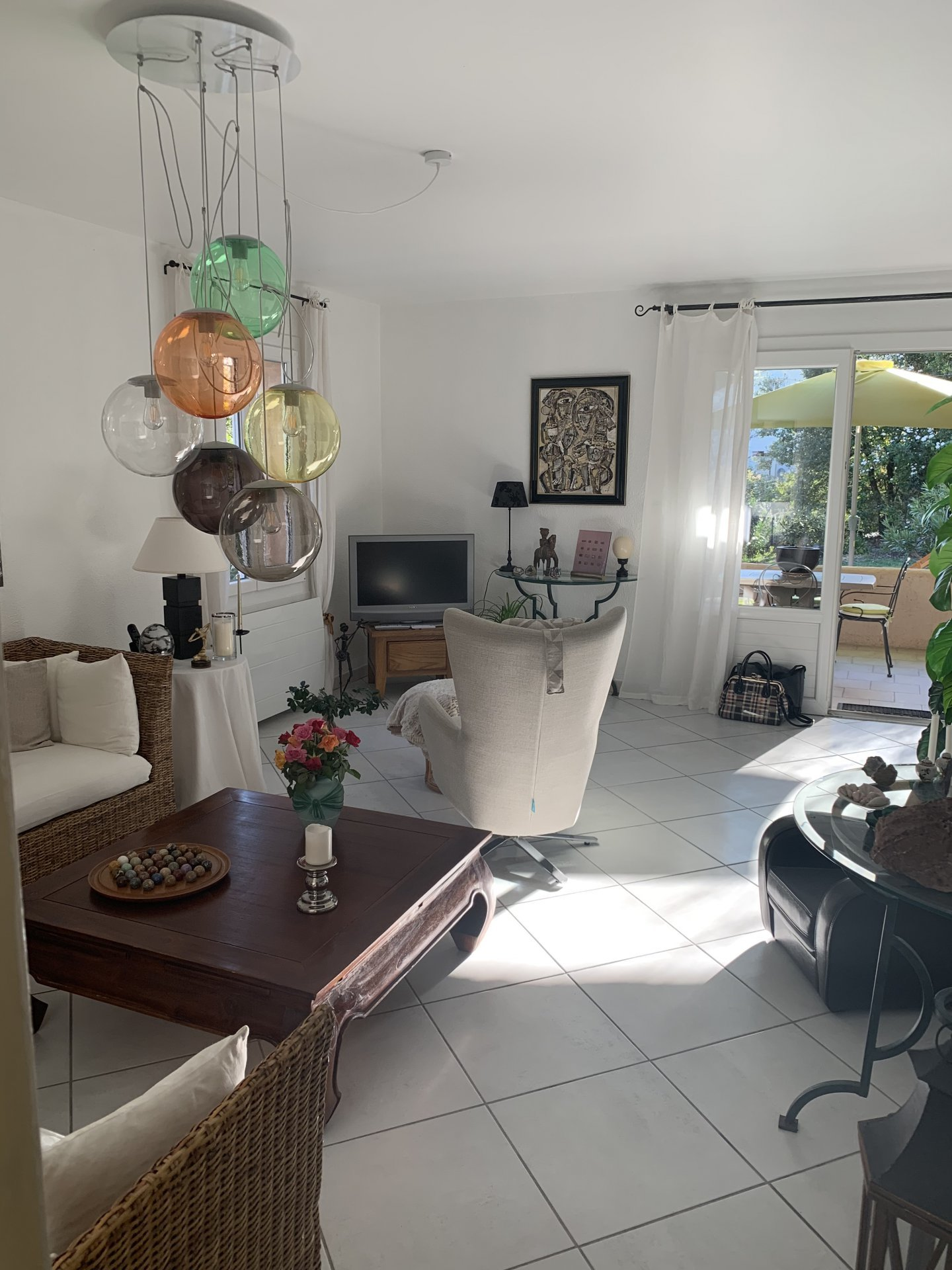 NIce apartment in secured residence with terrace and garden