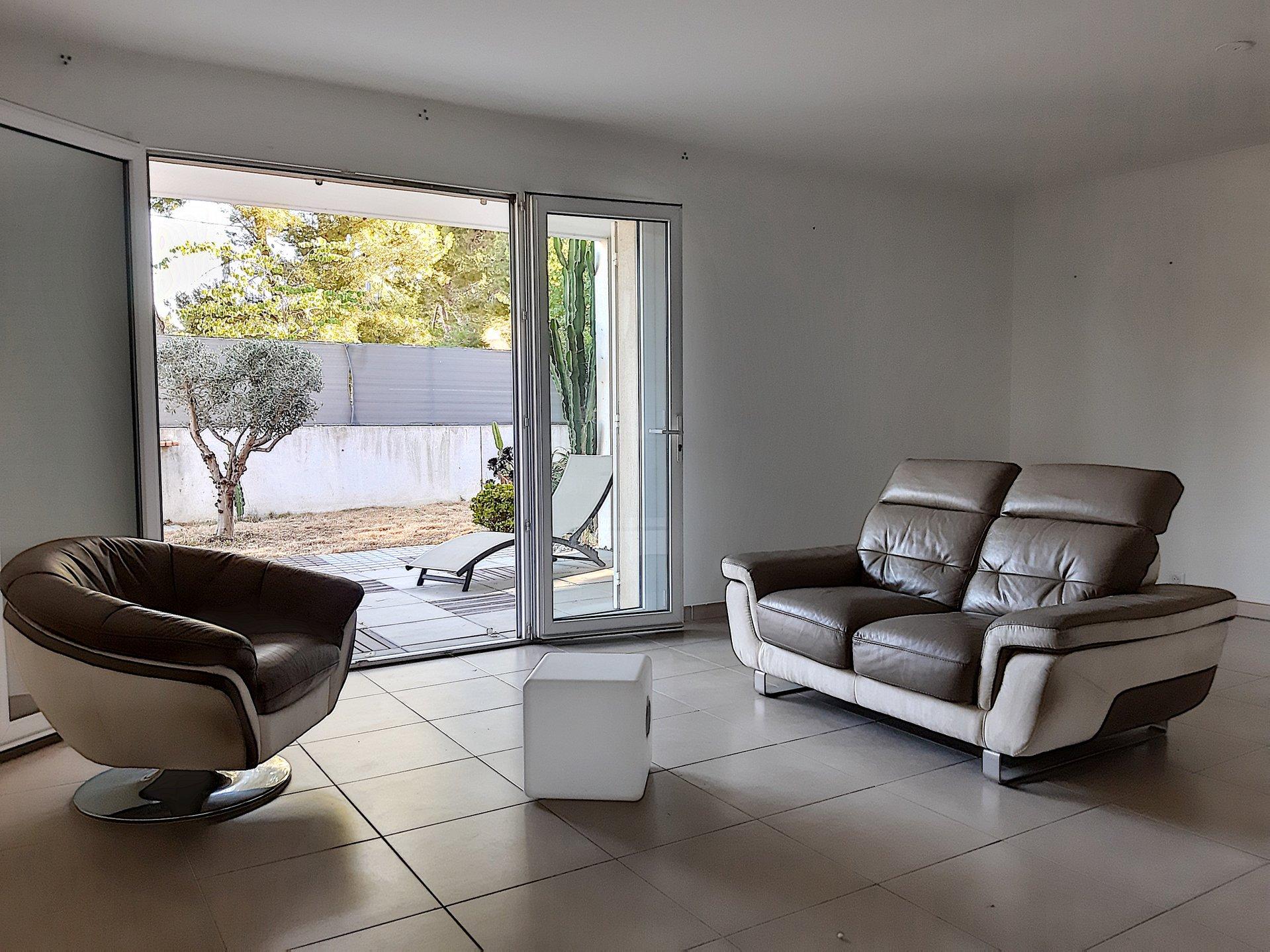 Bel Appartement Lumineux T4 en rez-de-jardin