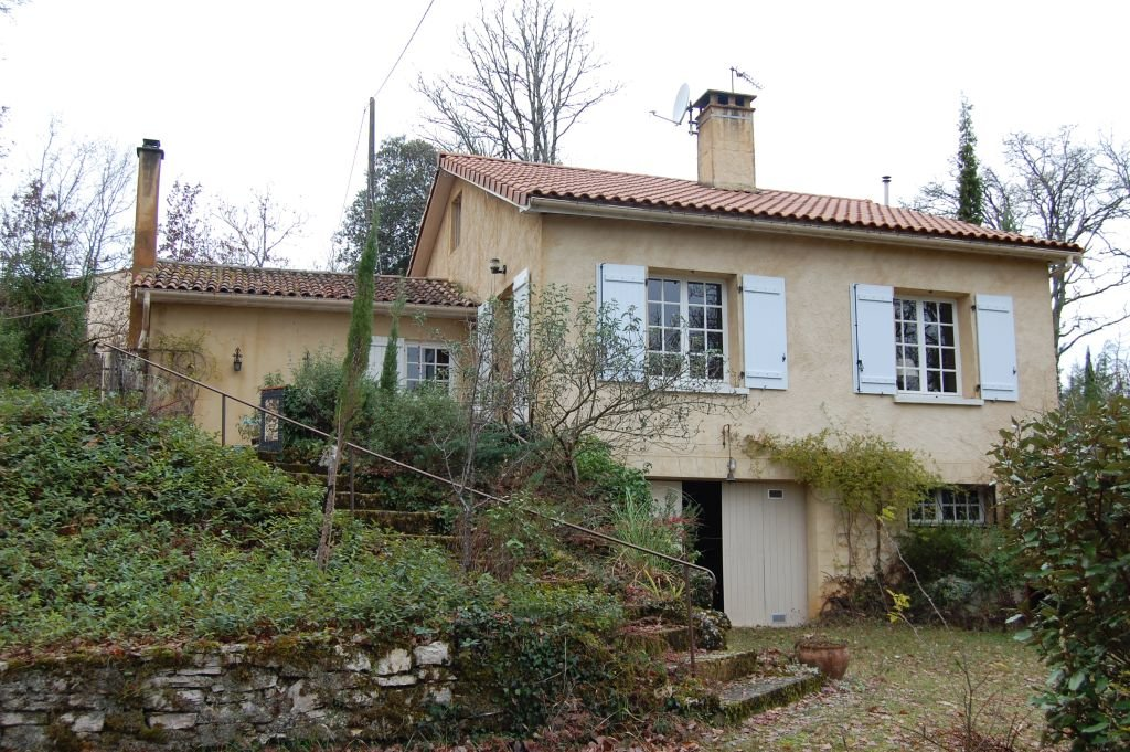 DORDOGNE - Above the valley, quiet situation, modern house on 1,2 ha