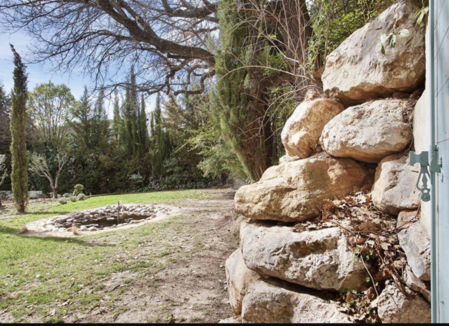 Contemporaine Tholonet proche Aix en Provence
