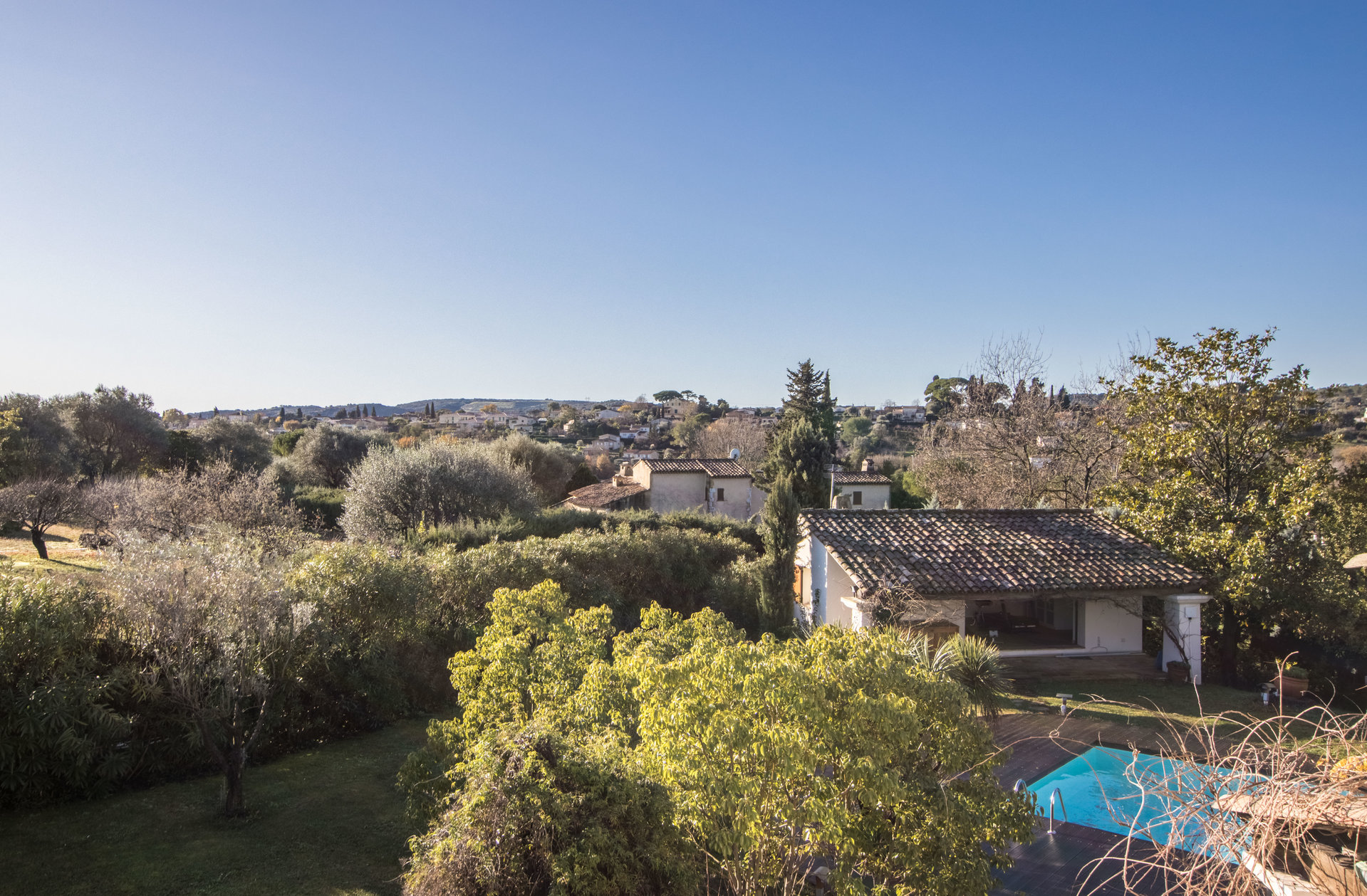 in Saint Paul de Vence, located in a popular area, this large architect's bastide of 250sqm, swimming pool , posh area