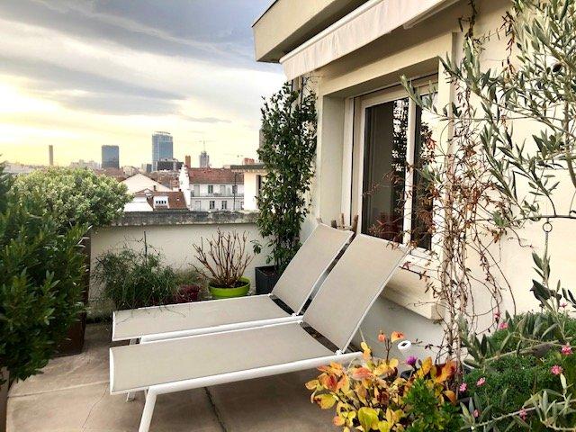 Loué par notre agence - T2 meublé avec terrasse Parc de la Tête d'Or