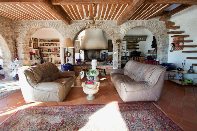 Fréjus - Spacious bastide with 7 living units/apartments (approx. 500 m2) with sea view