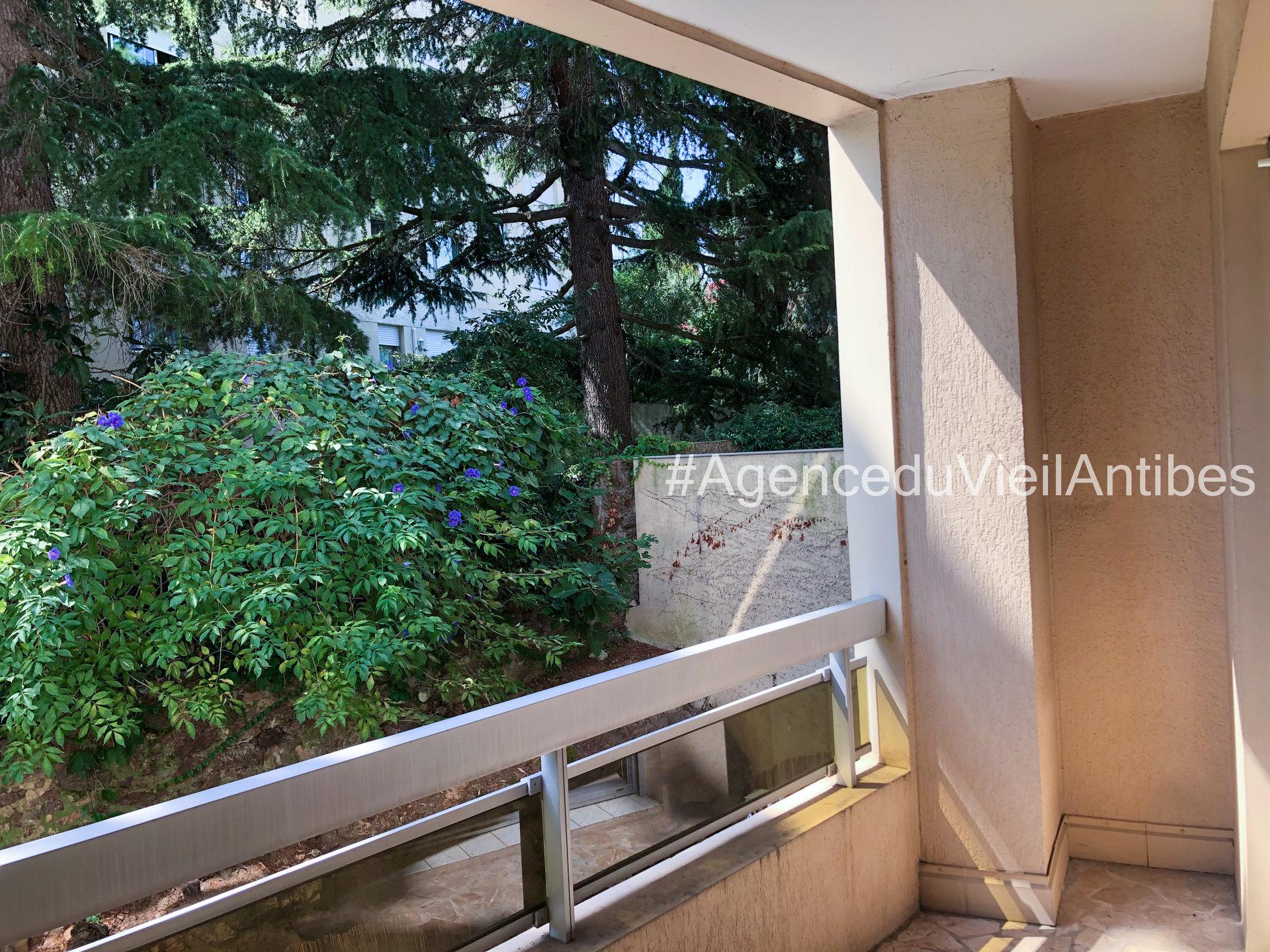 Le Cannet - studio F1 de 36.75m² - Terrasse et Garage