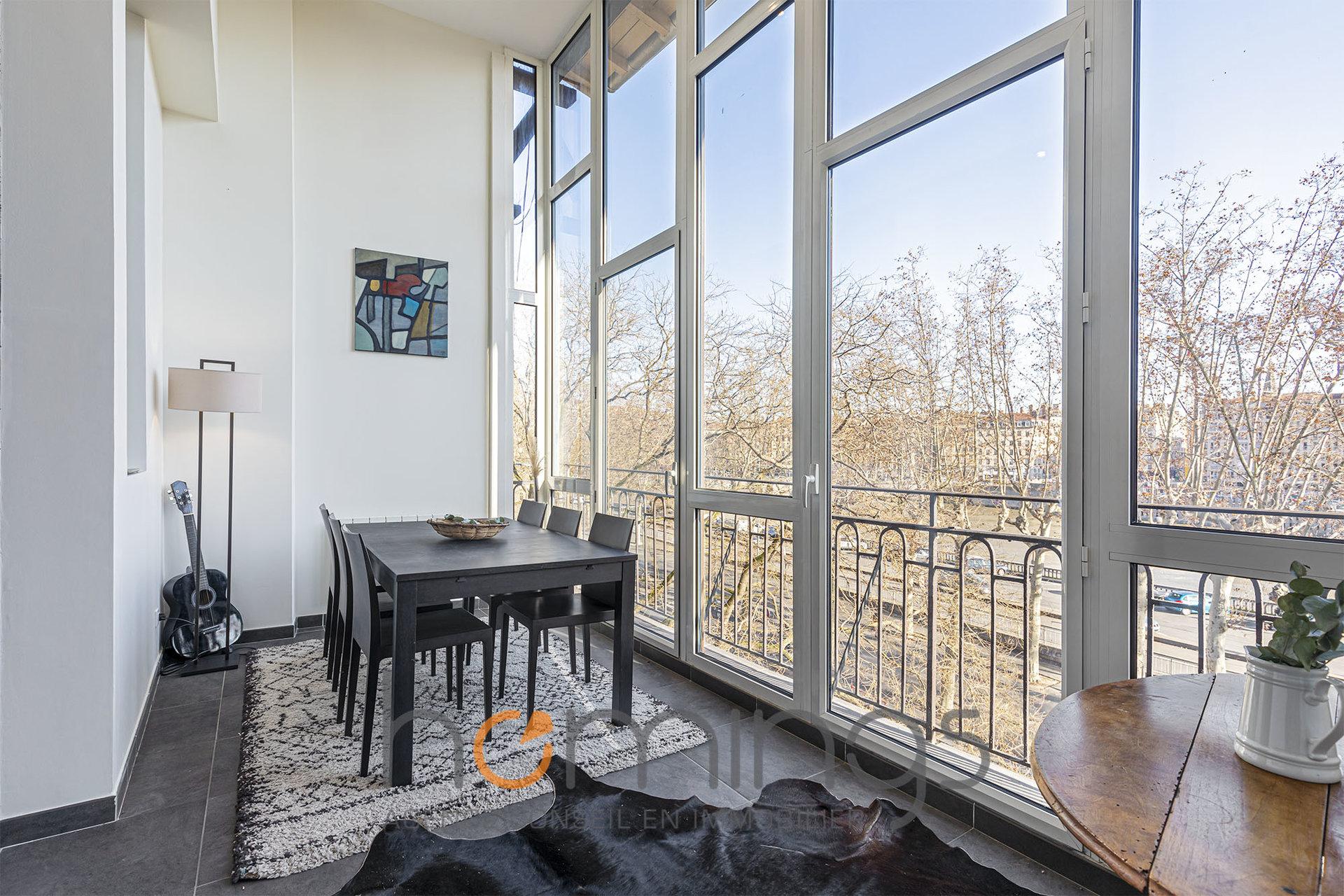 Loué par notre agence - T3 meublé avec vue sur les quais de Saône