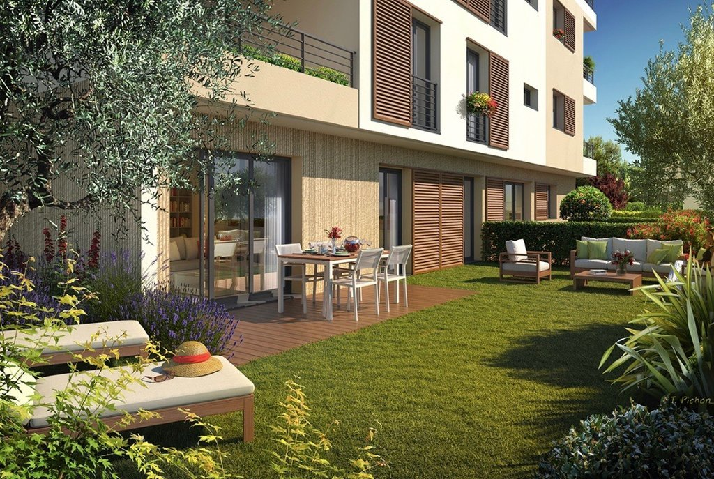 ANTIBES/JUAN-LES-PINS - French Riviera - Three bed investment  -  near beaches