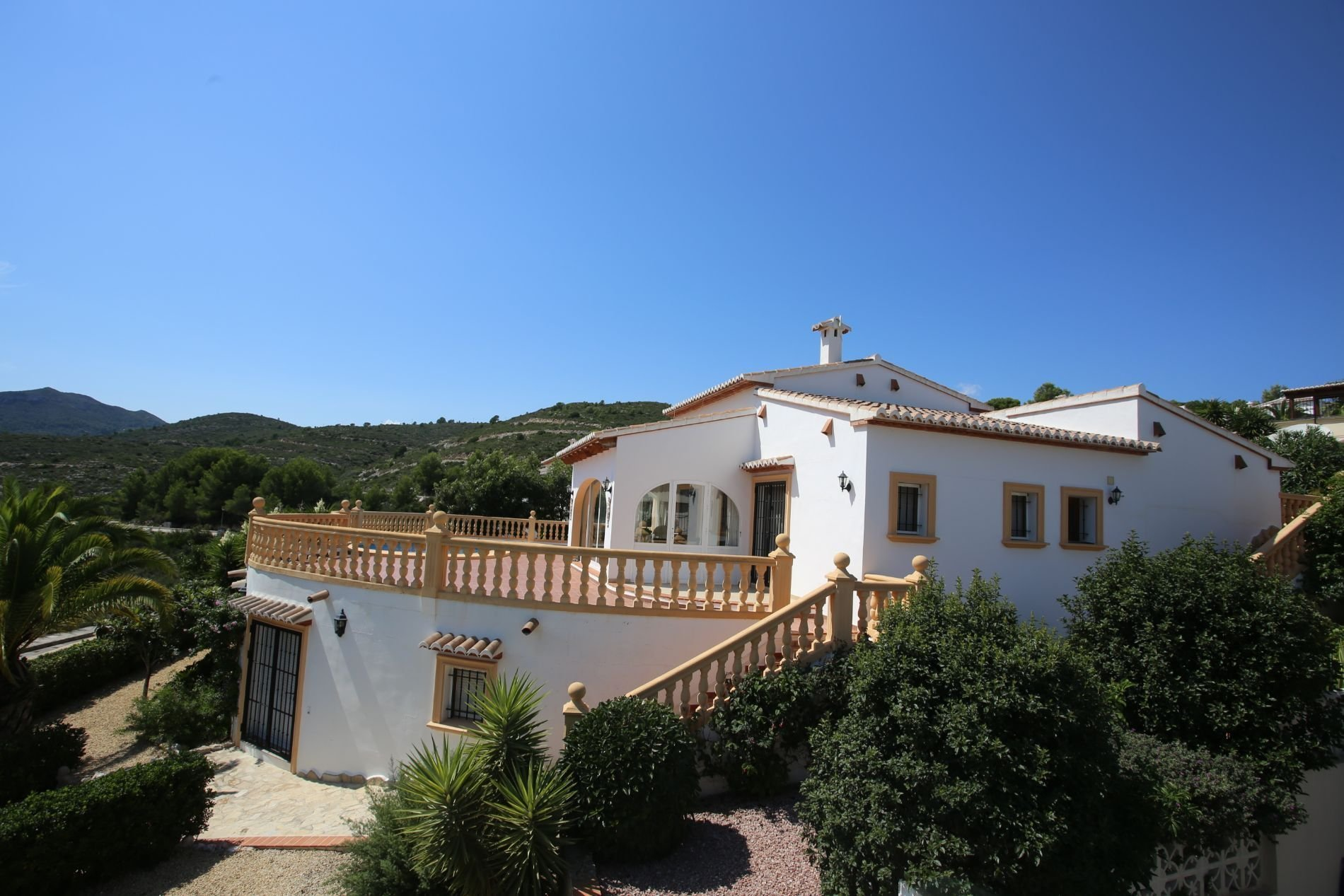 Villa with spectacular views and self contained apartment