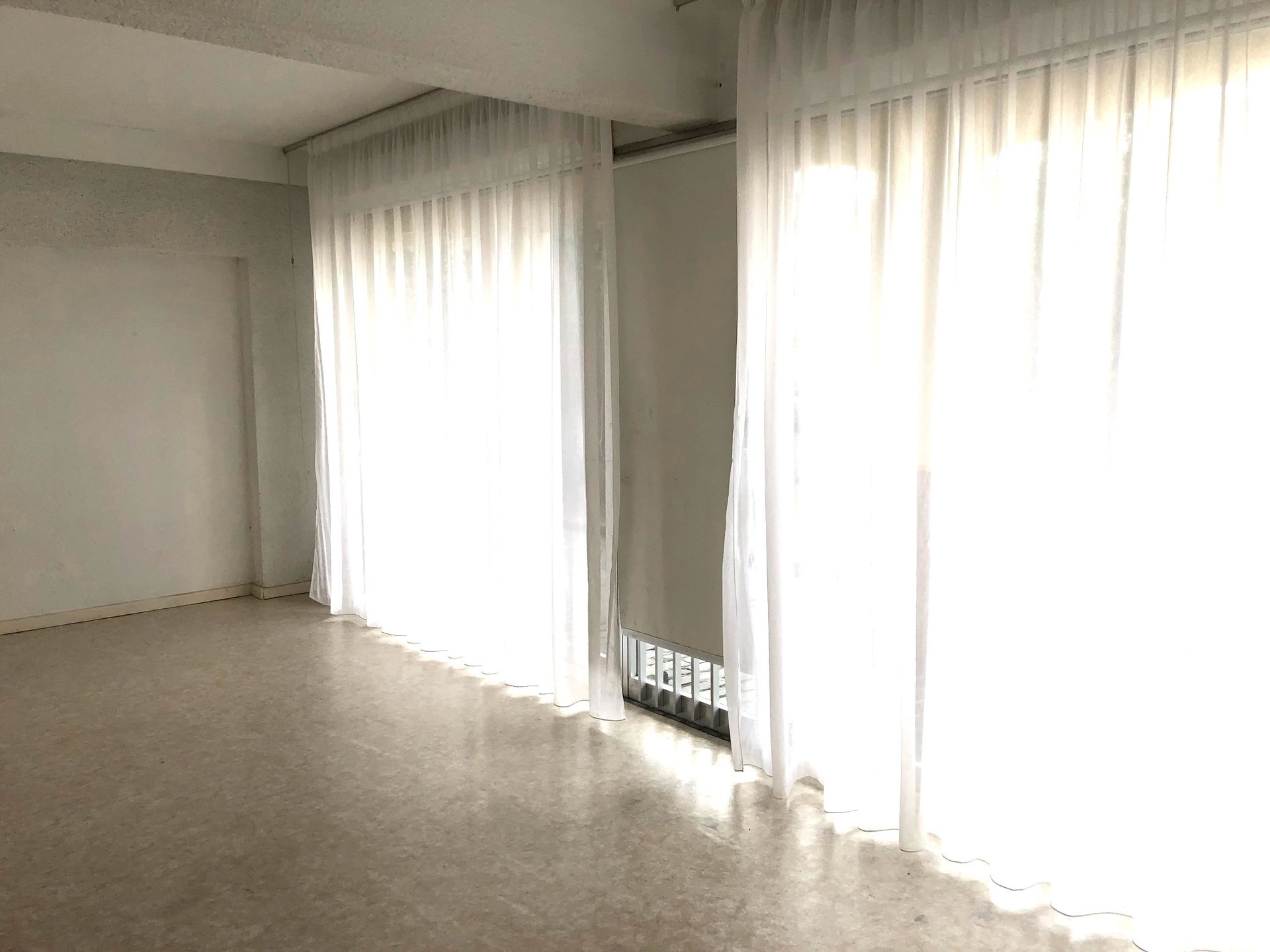 Sale Premises - Prades