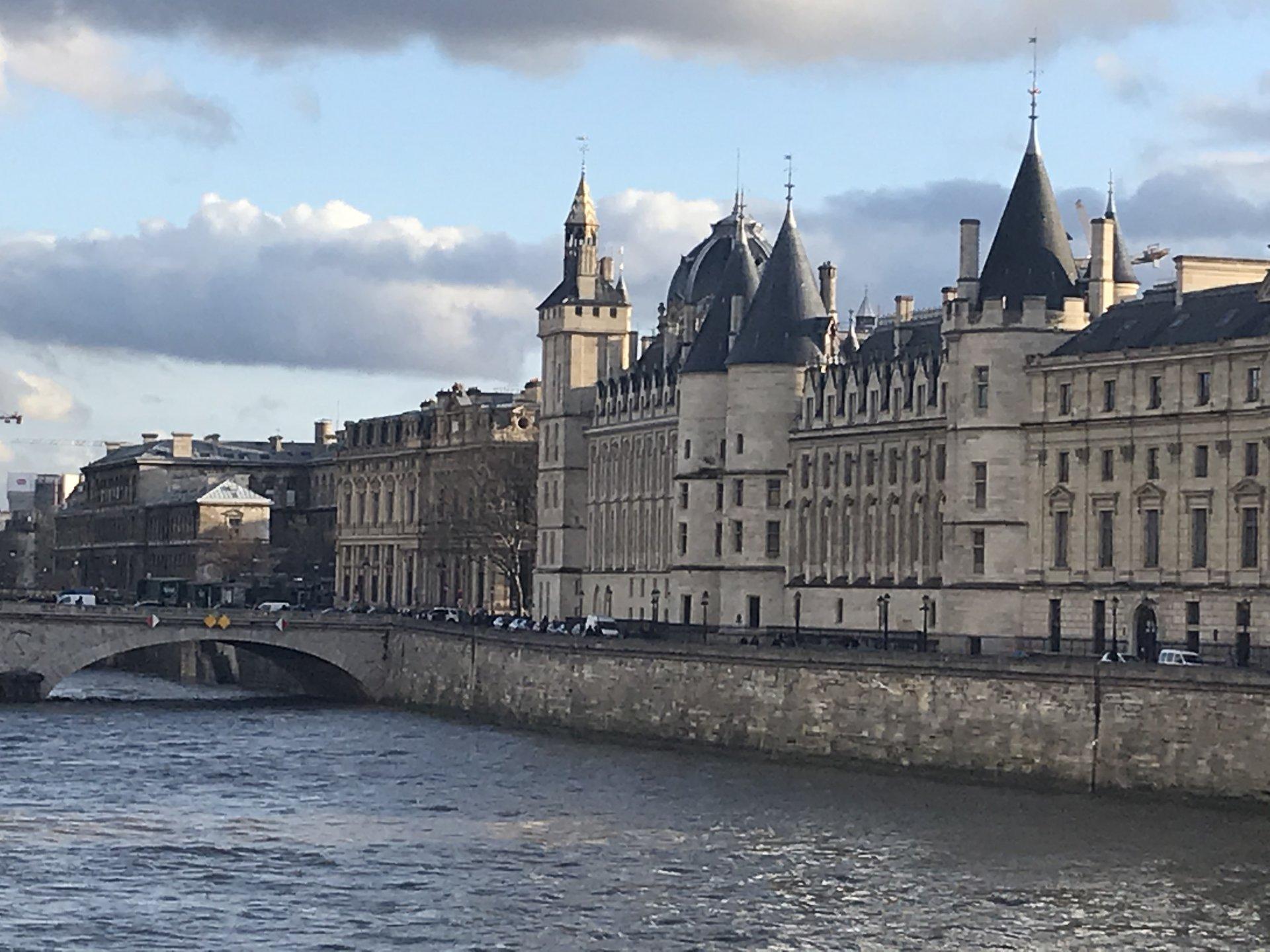 Paris 6ème Quai des Grands Augustins