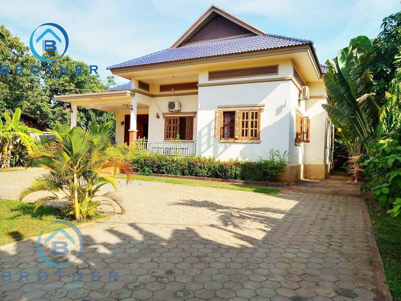 The natural 3 bedrooms Villa for rent