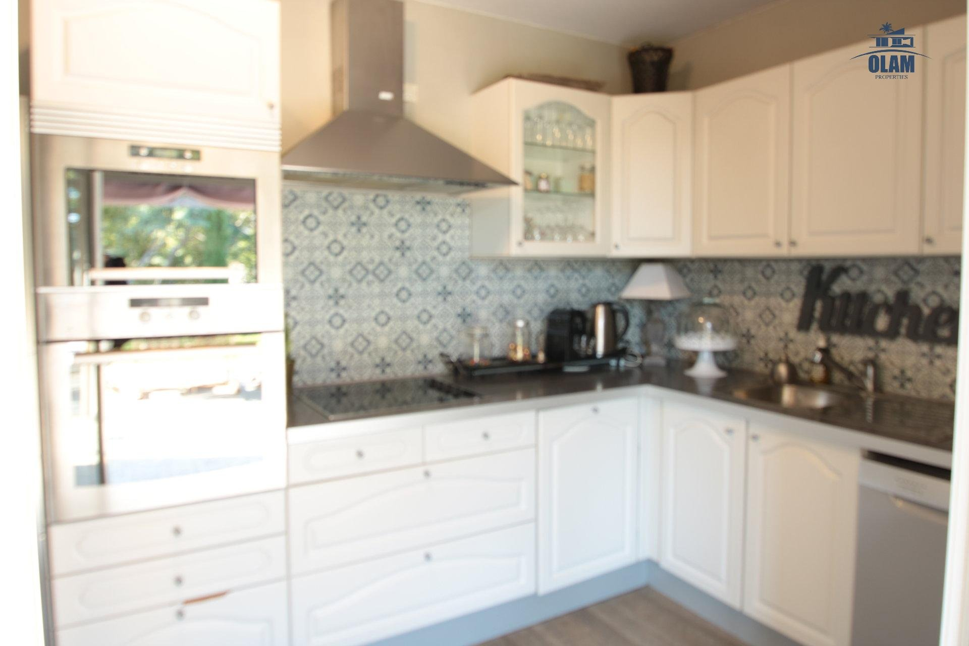 Kitchen, direct access to garden, oven, Cannes, La croisette