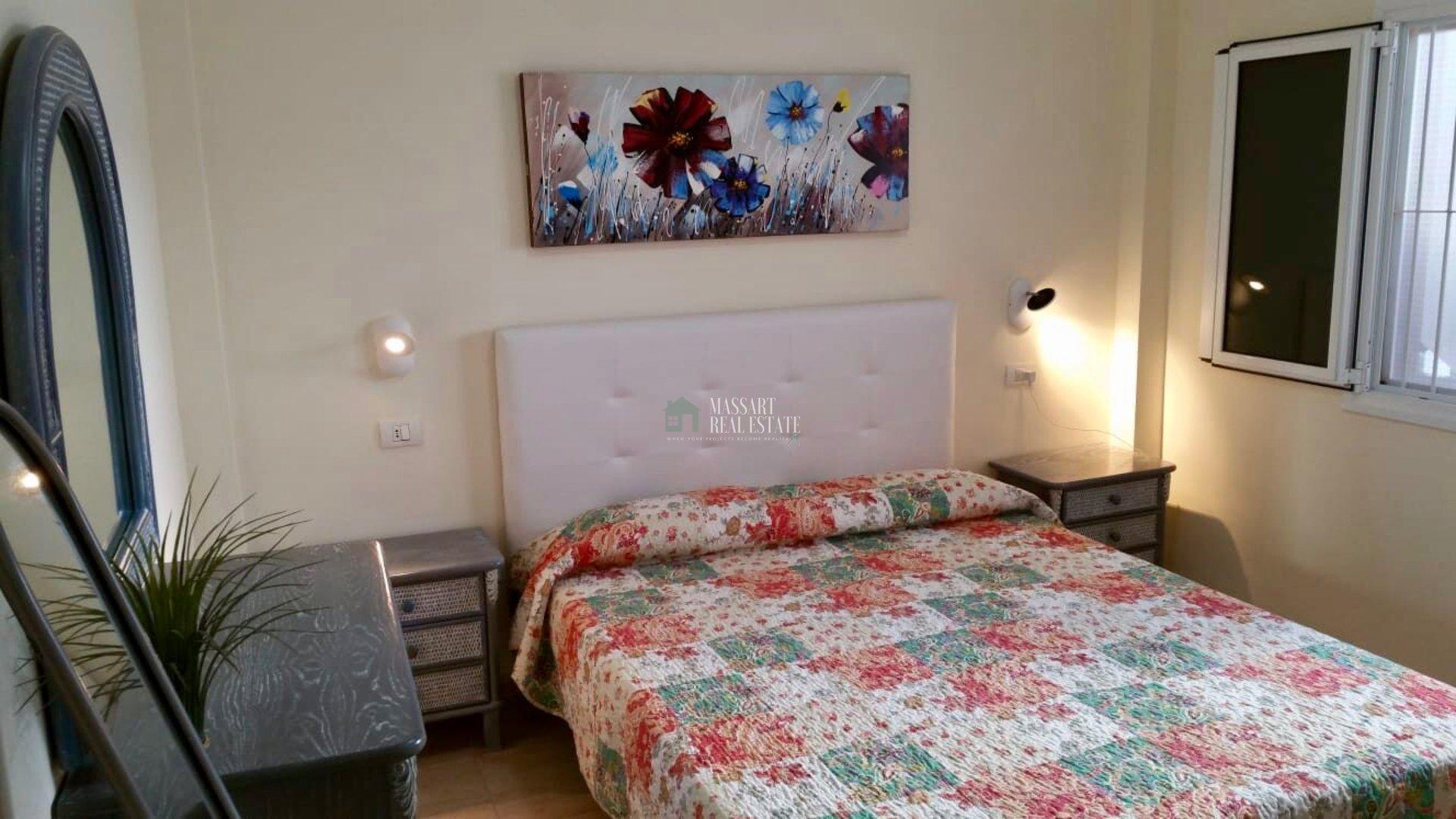 Functioneel appartement van 55 m2 ingericht met meubilair van topkwaliteit.