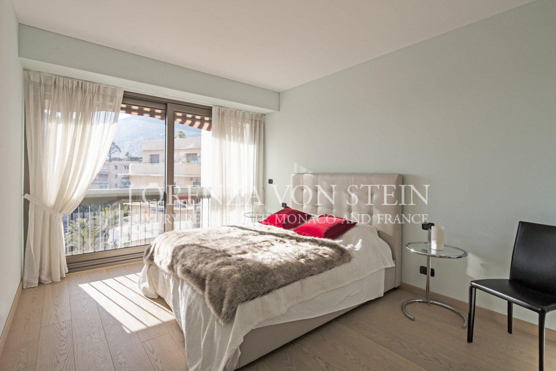 Bedroom, natural light, wood floors