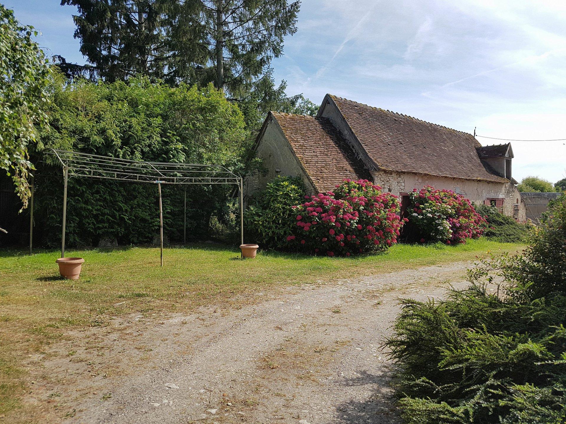 Der Brenne, 36 Indre: schönes Bauernhaus mit Nebengebäude