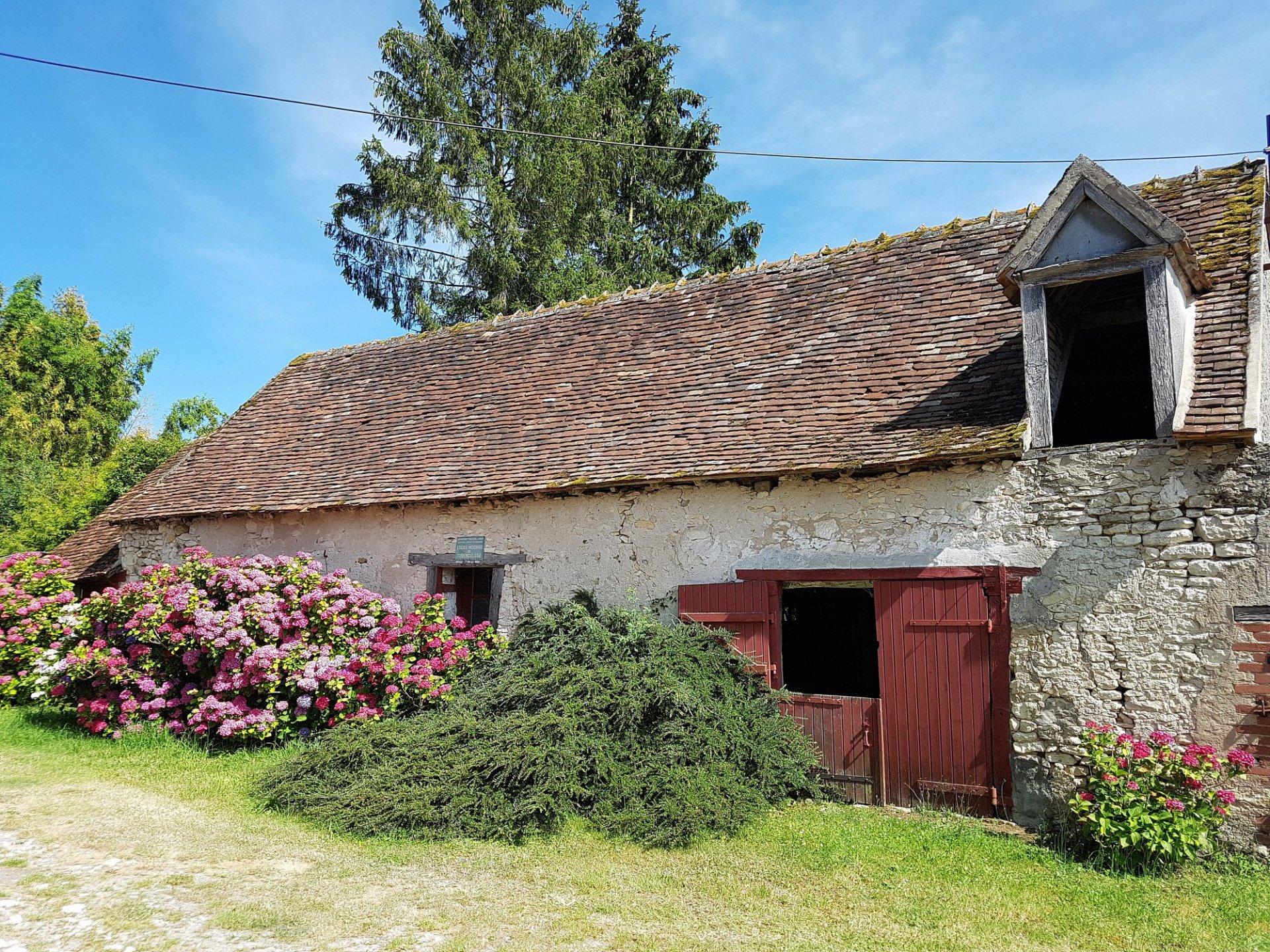 La Brenne, 36 Indre: jolie fermette avec dependances