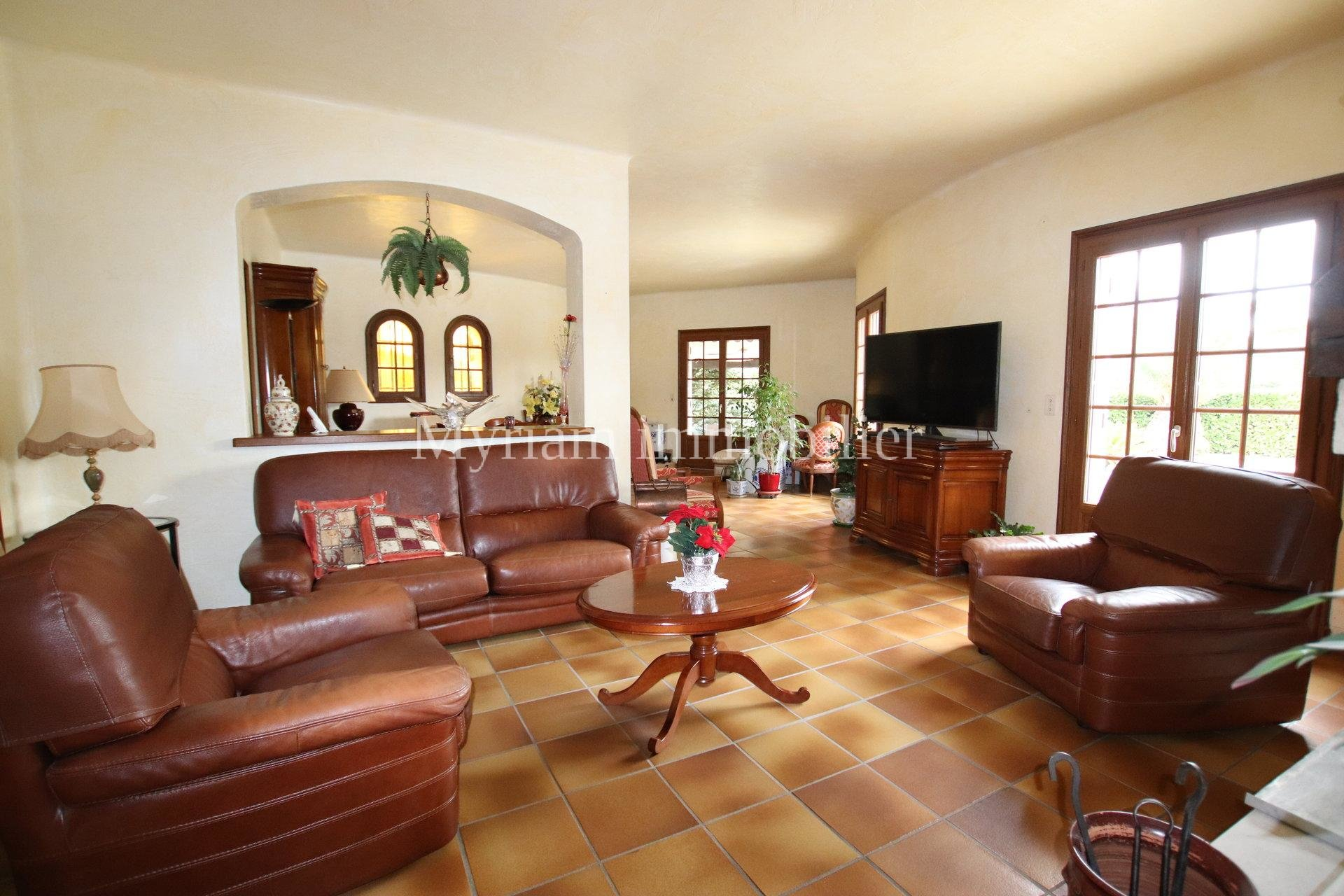 individual villa 4 rooms swimming pool in MOUANS SARTOUX