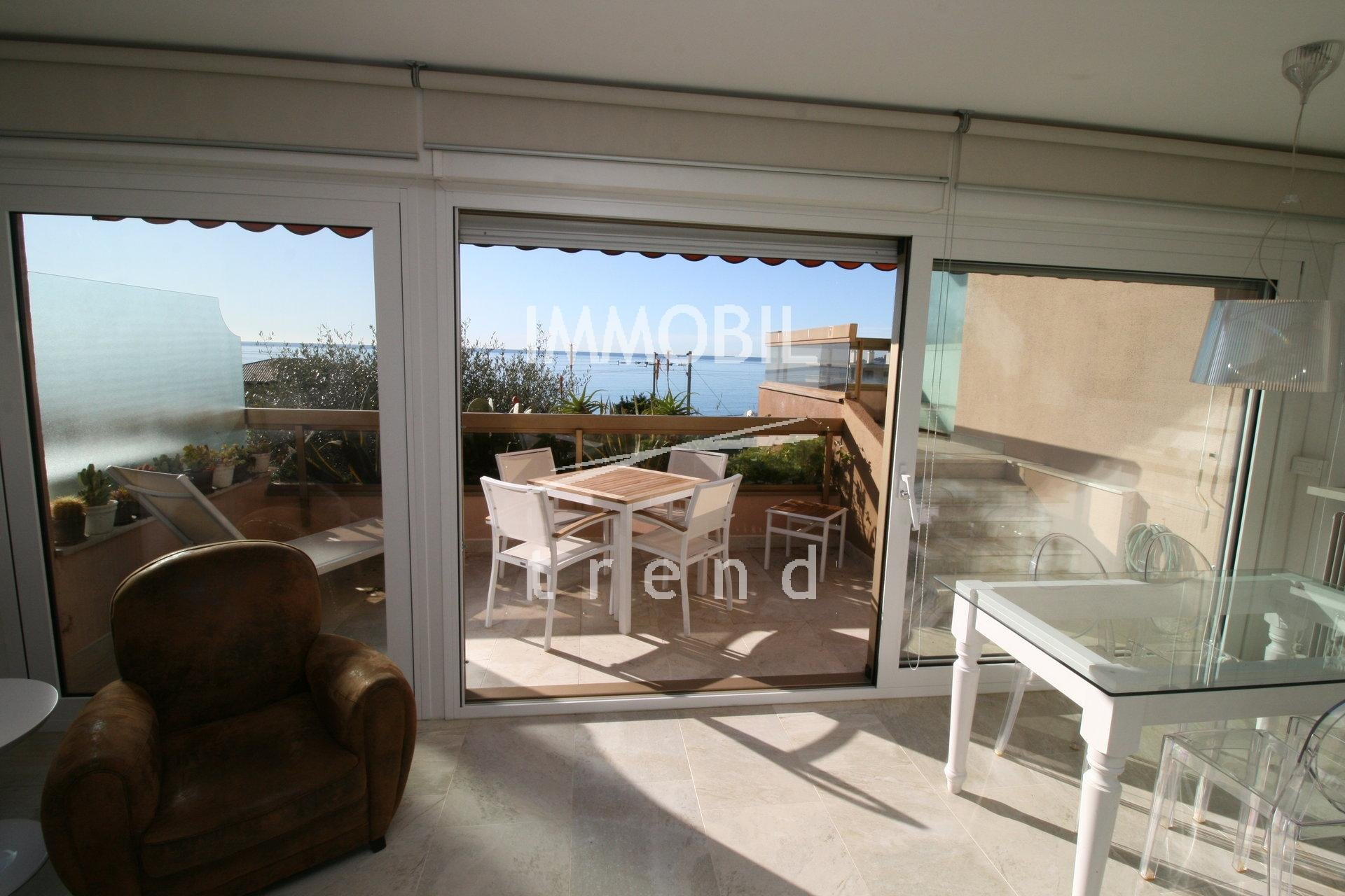 SOLE AGENT - MENTON GARAVAN - 3 bedroom seaview apartment for sale