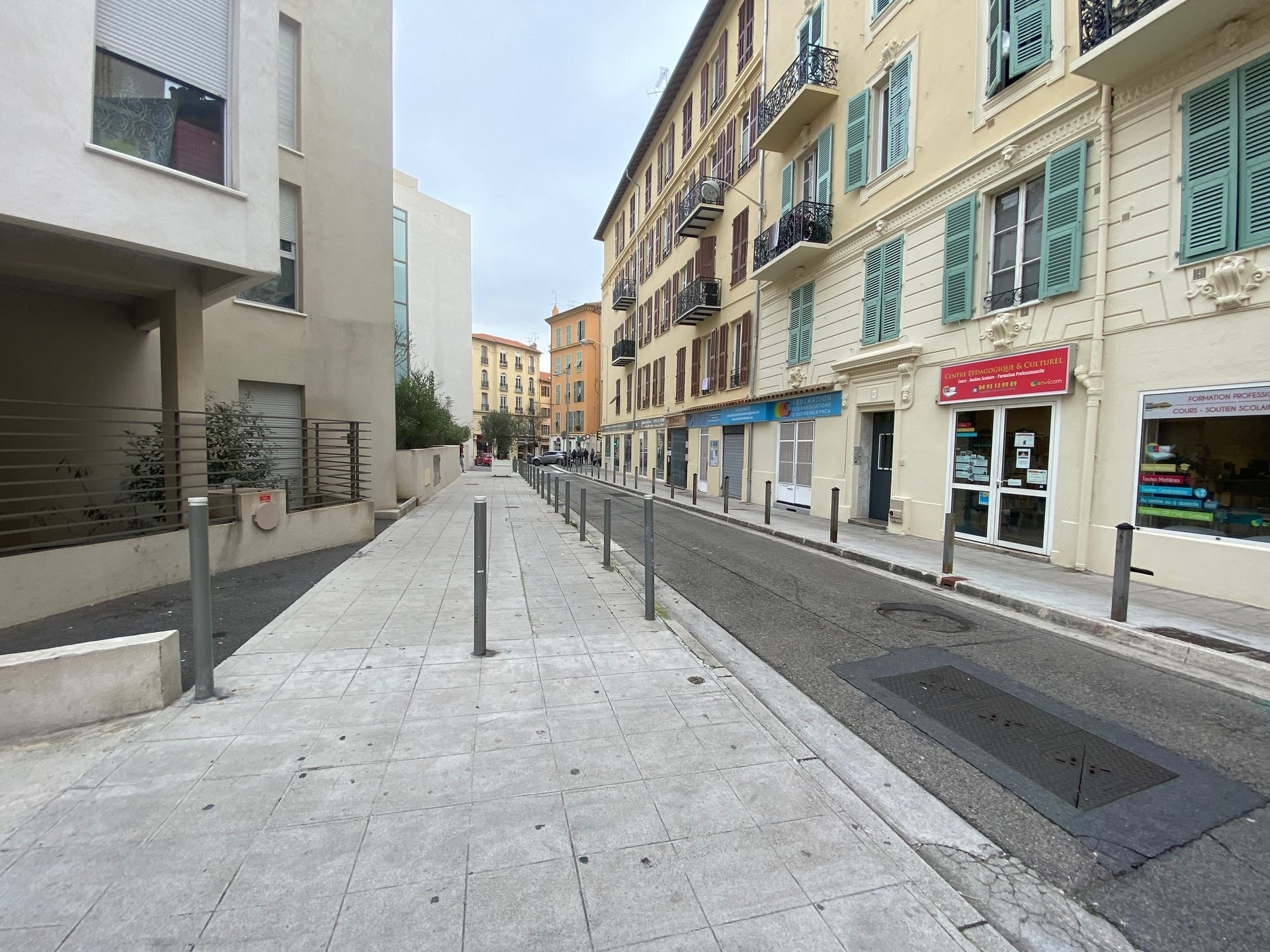 ALPES MARITIMES CIRYLLE BESSET BORRIGLIONE NICE  LOCATION LOCAL COMMERCIALE