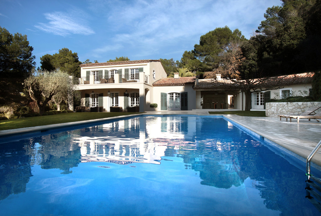 Luxurious mas provençal on the heights of Cannes