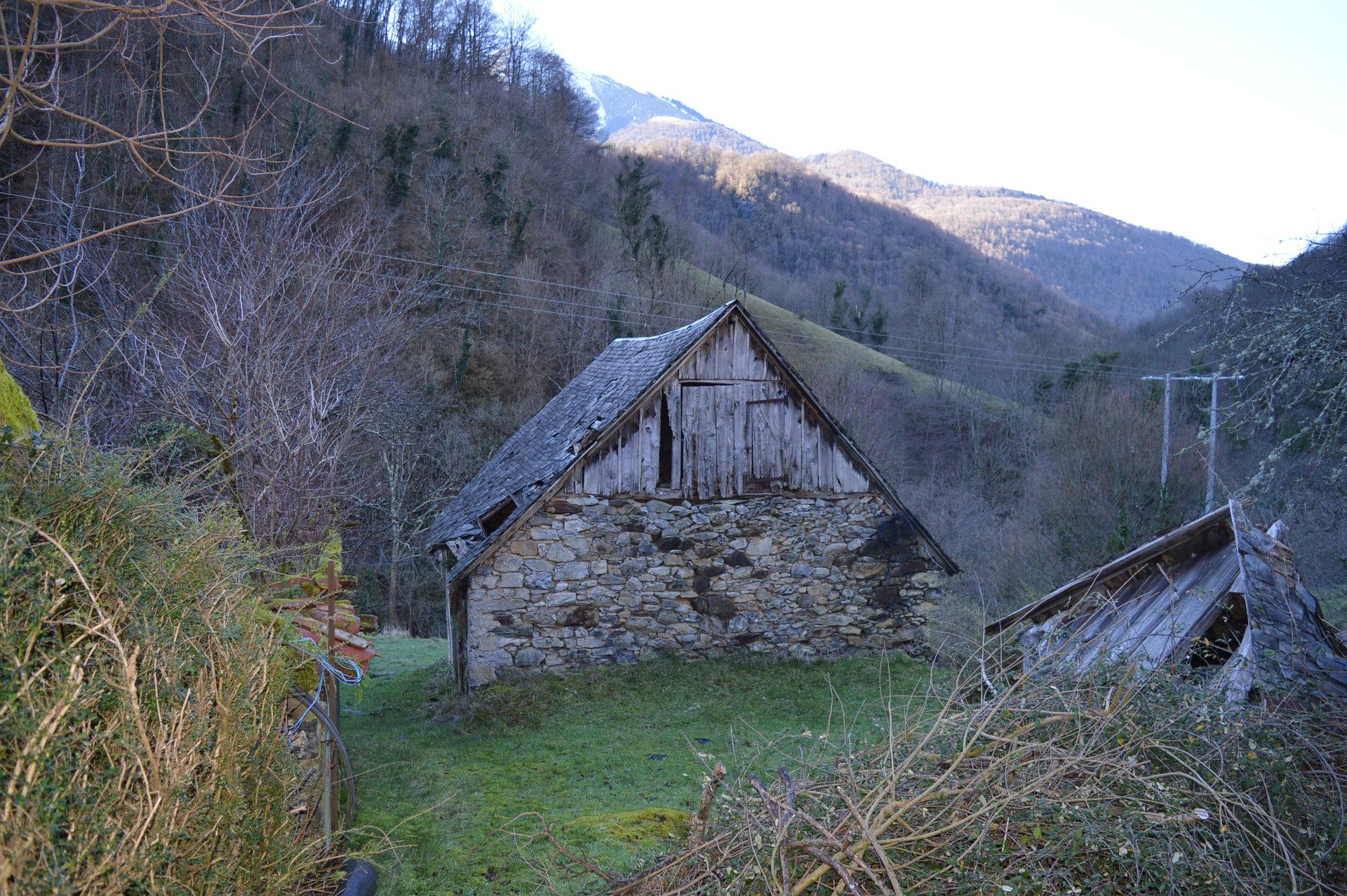 Sale Barn - Razecueille