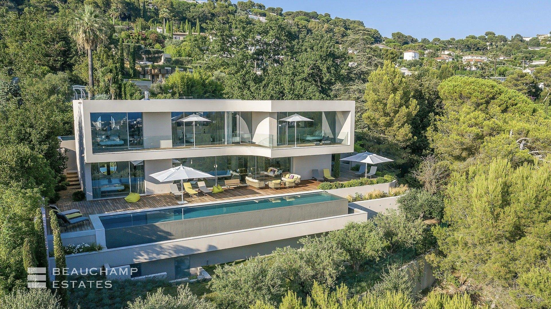 Architect's Villa in Cannes