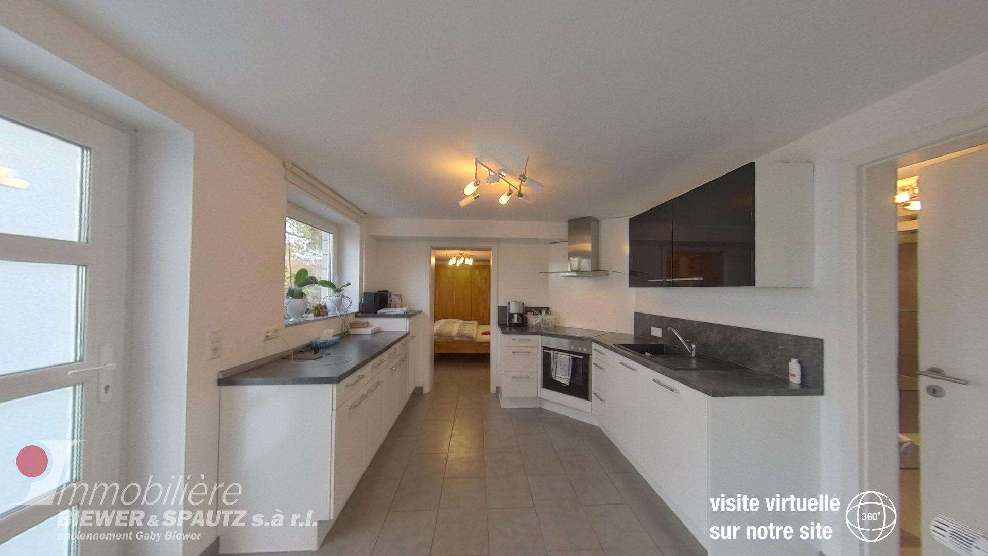 A LOUER - appartement meublé avec 1 chambre à coucher à Olingen