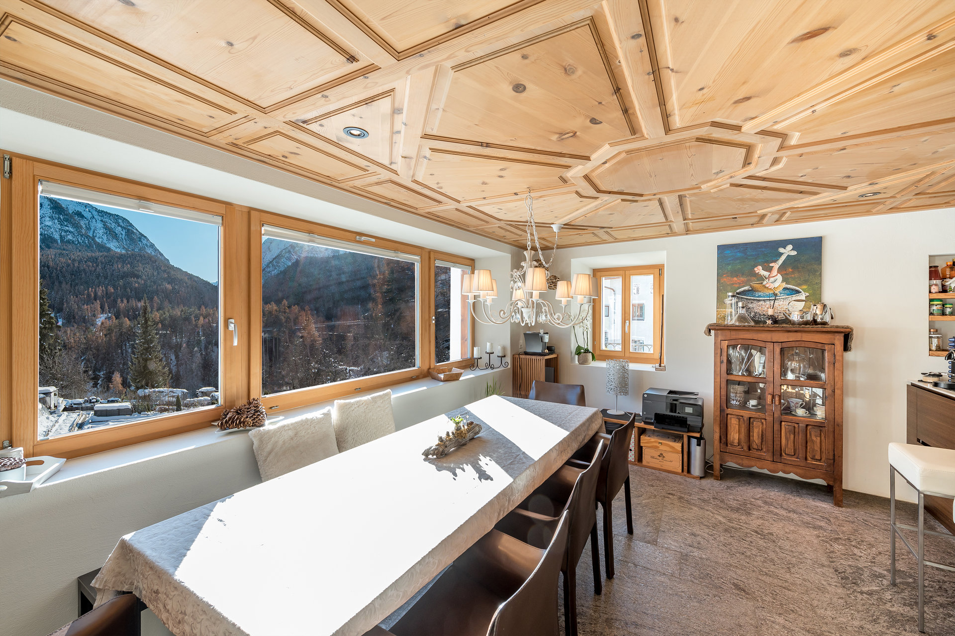 Mountain house for sale in Scoul - dining room overlooking the mountains