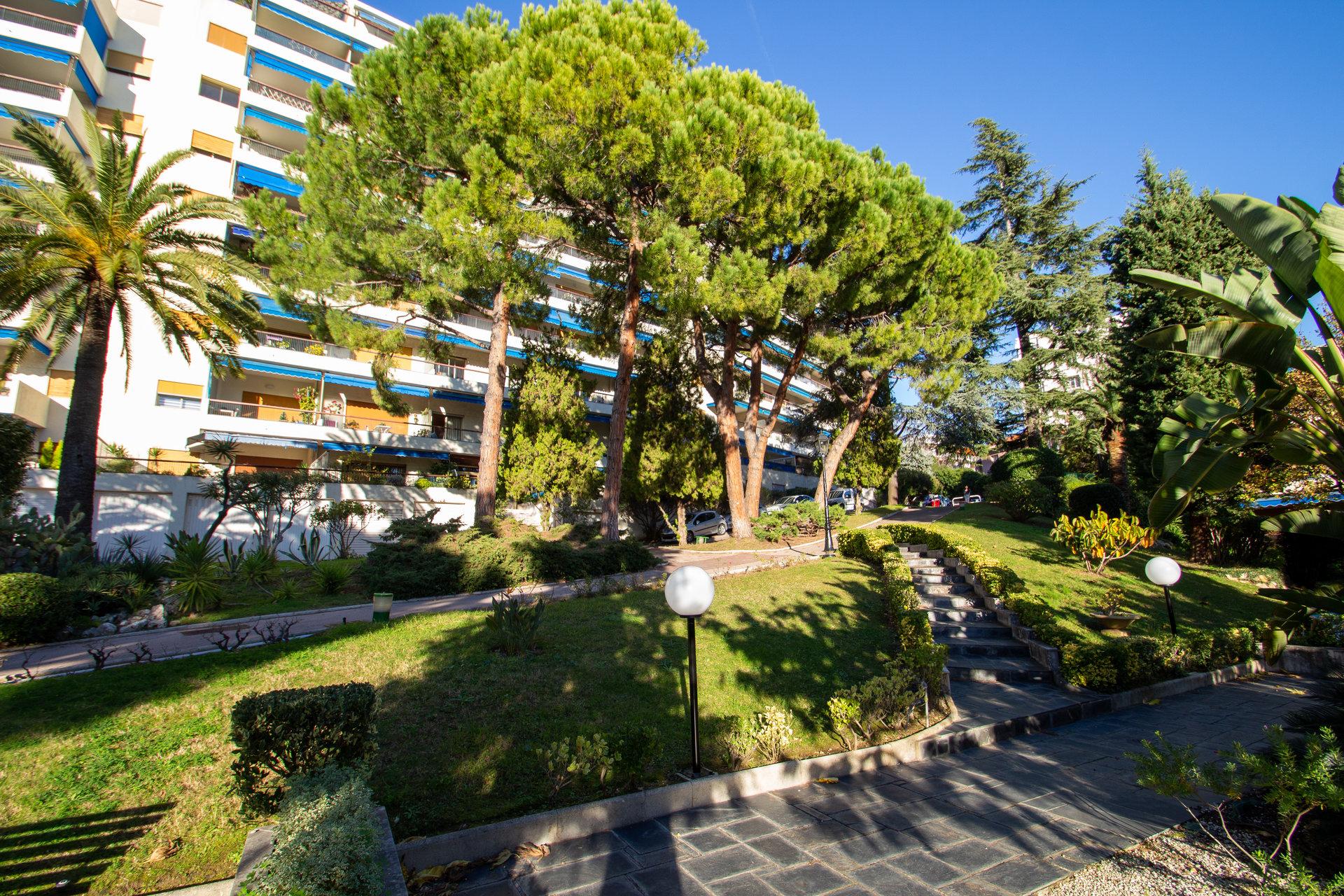 Nice Cimiez - 3 pièces 81m2 - Terrasse et vue