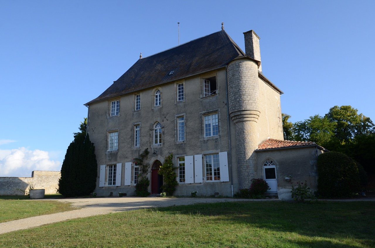 Sale House - Saint-Jean-d'Angély
