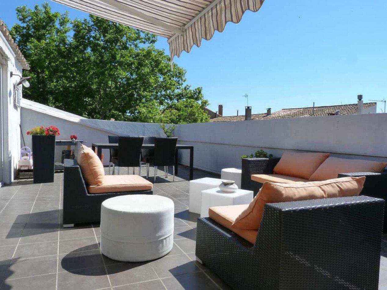 Lägenhet med terrass i centrala Pezenas