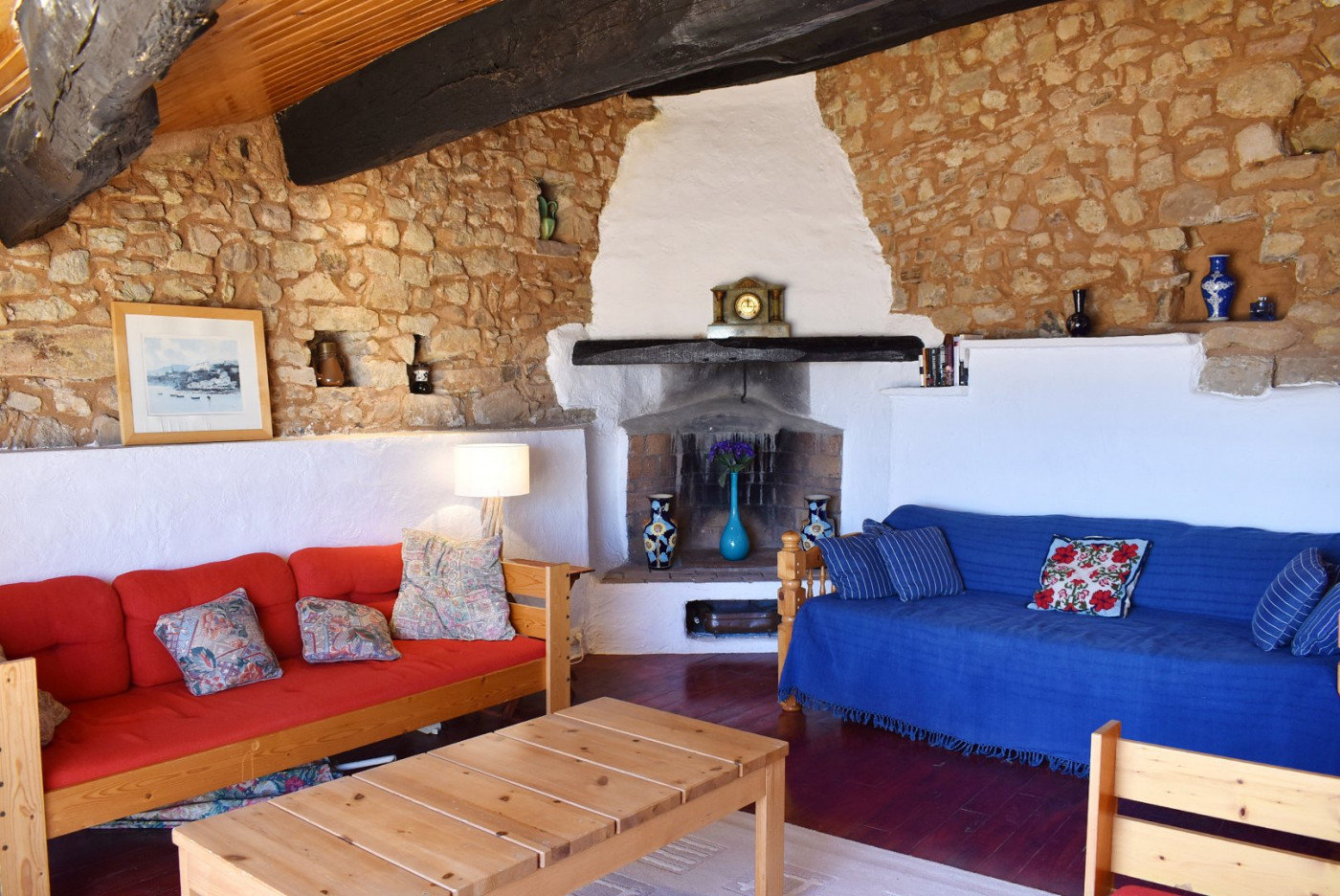 Character property in Neffiès - real charming