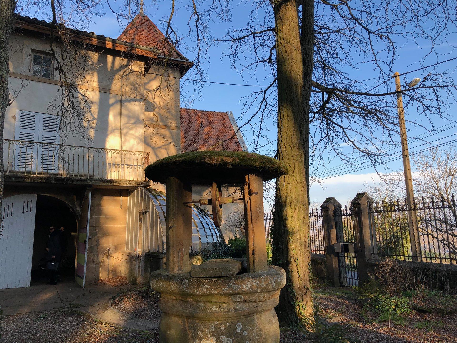Pommiers maison duplex T4 avec jardin et serre ancienne