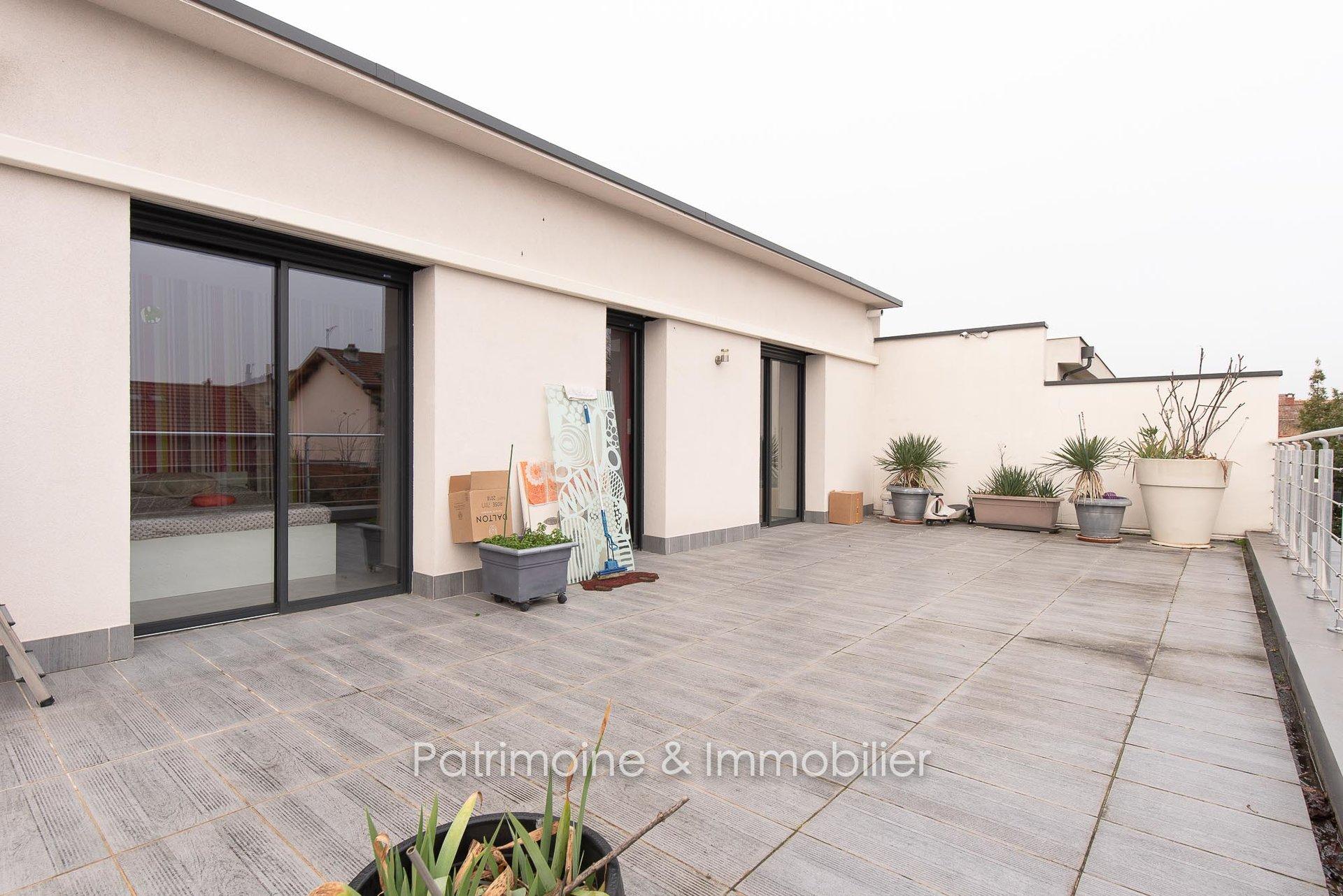 Villeurbanne Gratte-Ciel - Maison contemporaine avec terrasses