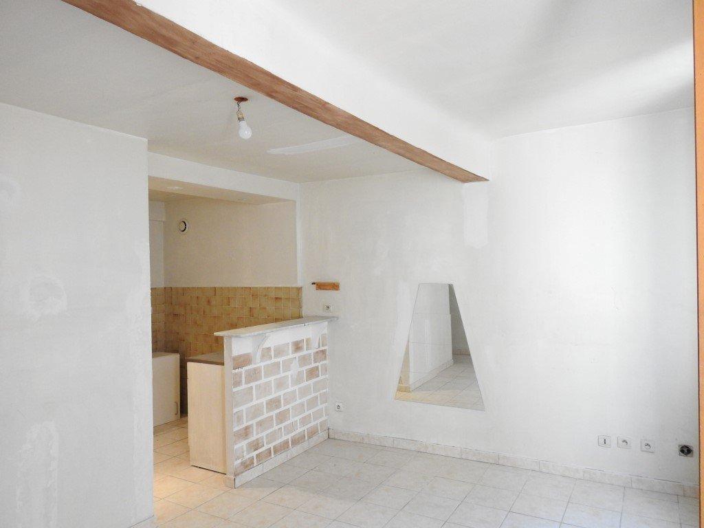 APPART 33 m² CENTRE VILLAGE LUMINEUX