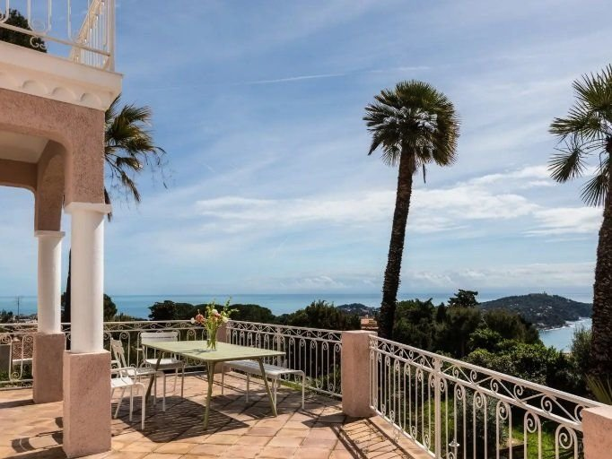 Villefranche-sur-Mer - Historical Mansion with sea view