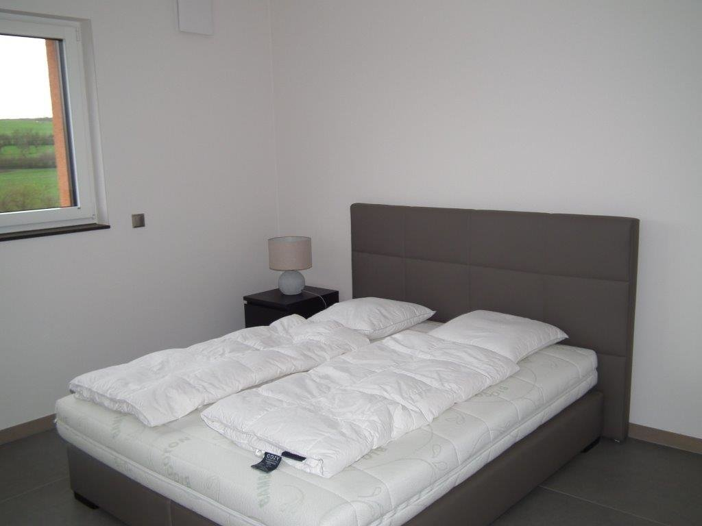 FURNISHED LUXURY ONE BEDROOM APARTMENT