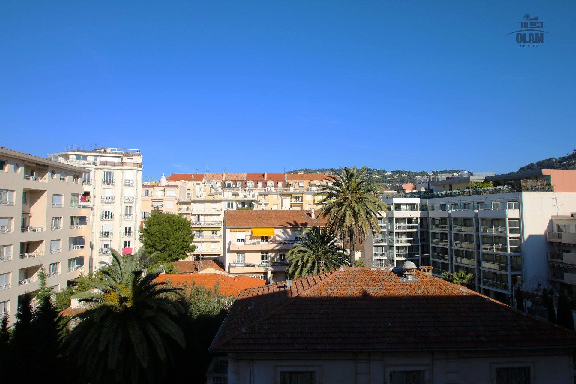 Street view, Cannes, French Riviera, Croisette