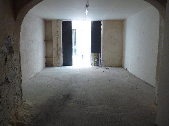 T2 avec petite terrasse et grand garage