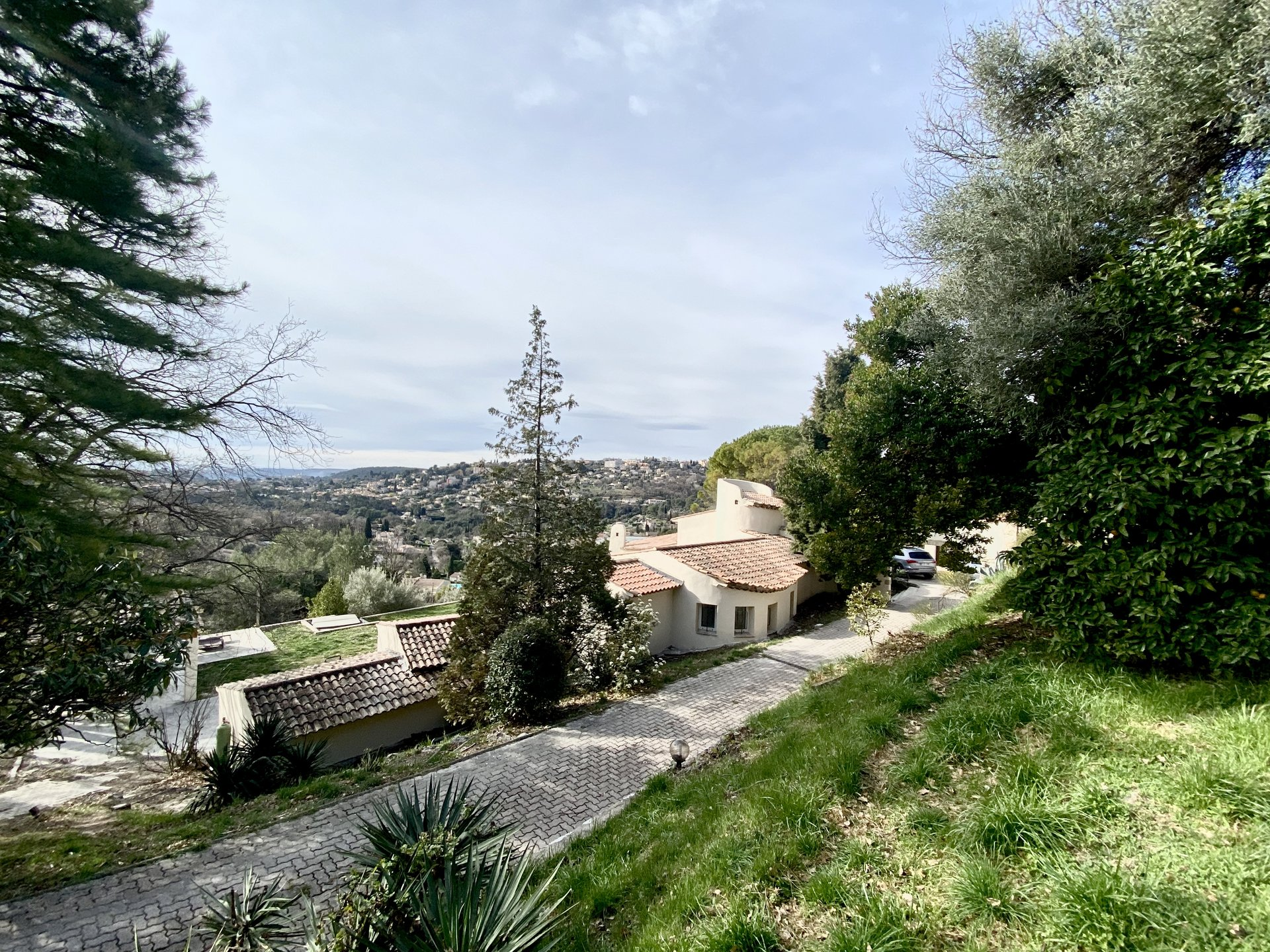 VENCE / Villa + Terrain à batir