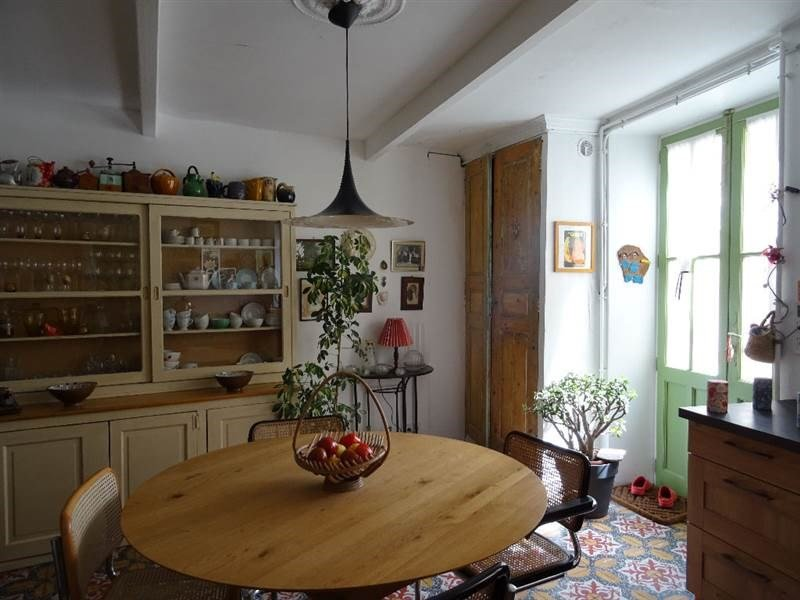 Charming spacious town house with private garden