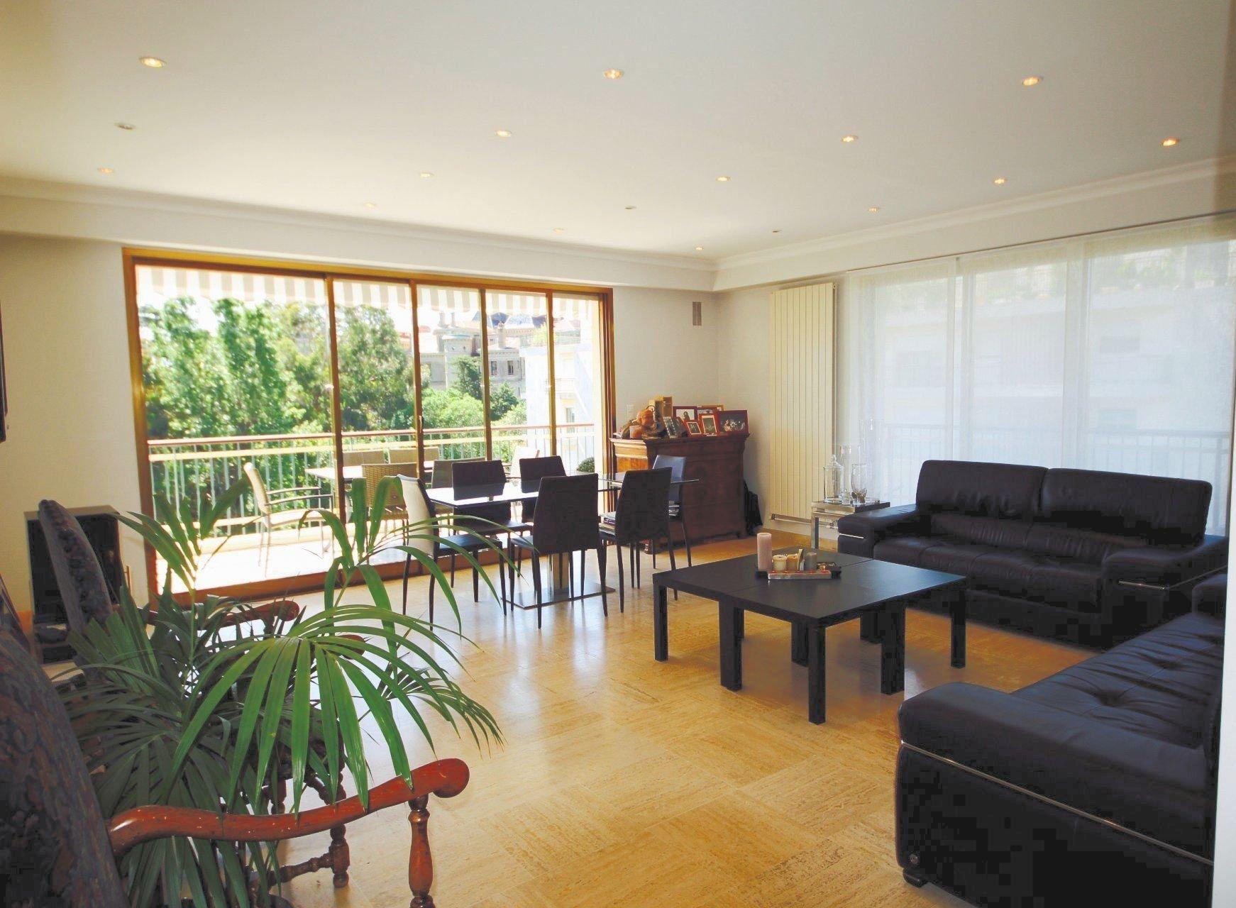 Bas Croix des gardes très bel appartement 5 P avec terrasse
