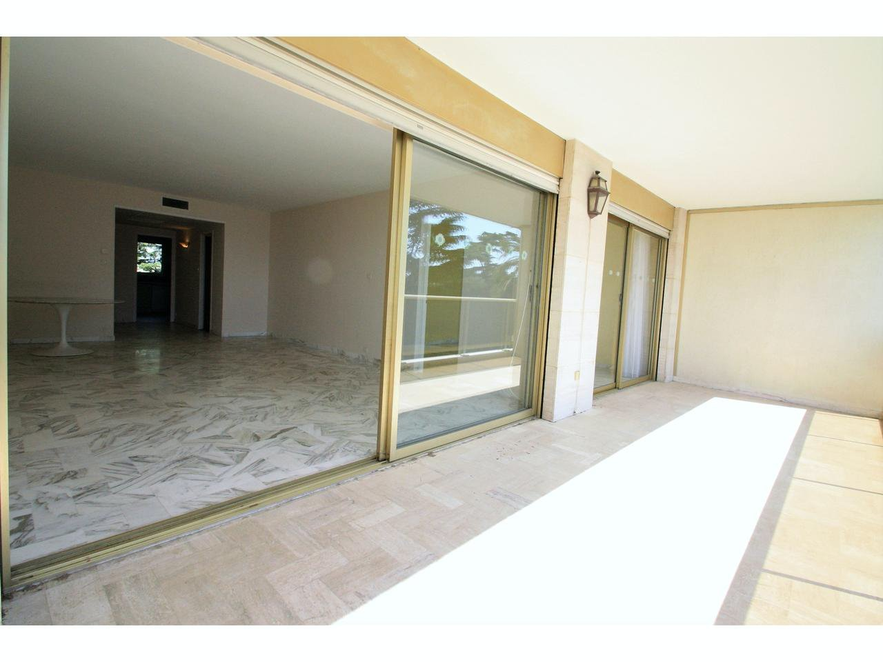 3 room apartment with sea view facing south